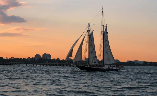 DSC02822-SailboatSailingSunset